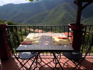 """Il terrazzo de """"l'Antico Melo"""" a Castelvecchio di Rocca Barbena"""